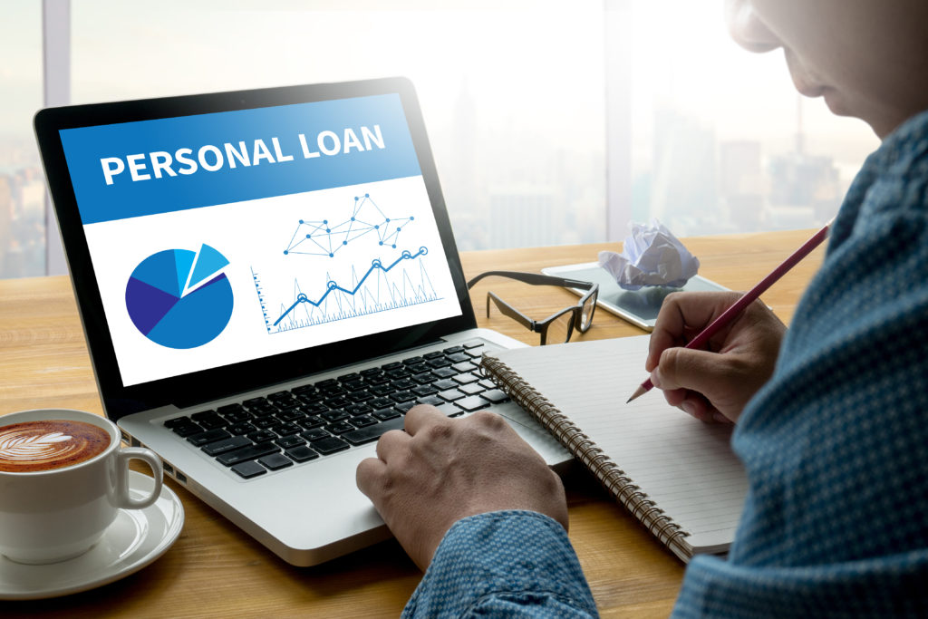 Personal Loans vs. Credit Cards: Pros and Cons